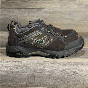 Vintage Nike Trail Hiking 2005 Sneaker Size 10